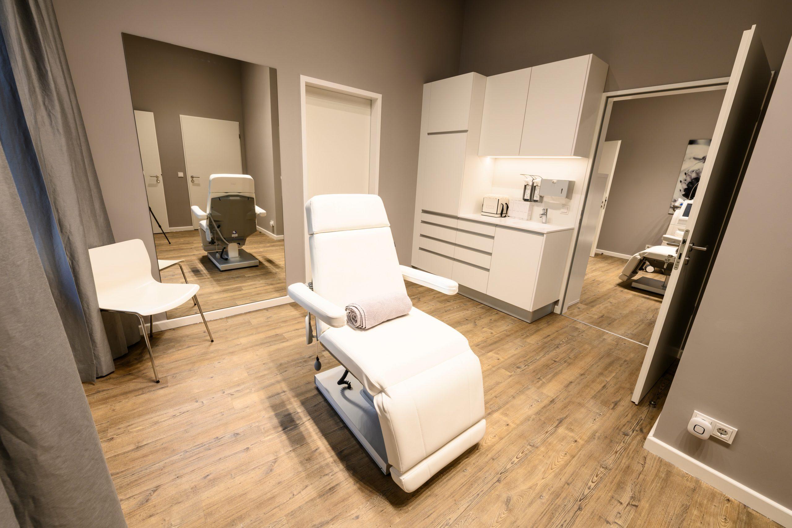 Schönheitschirurgie Berlin | Plastische Chirurgie Dr. med. Indra Mertz Klinik